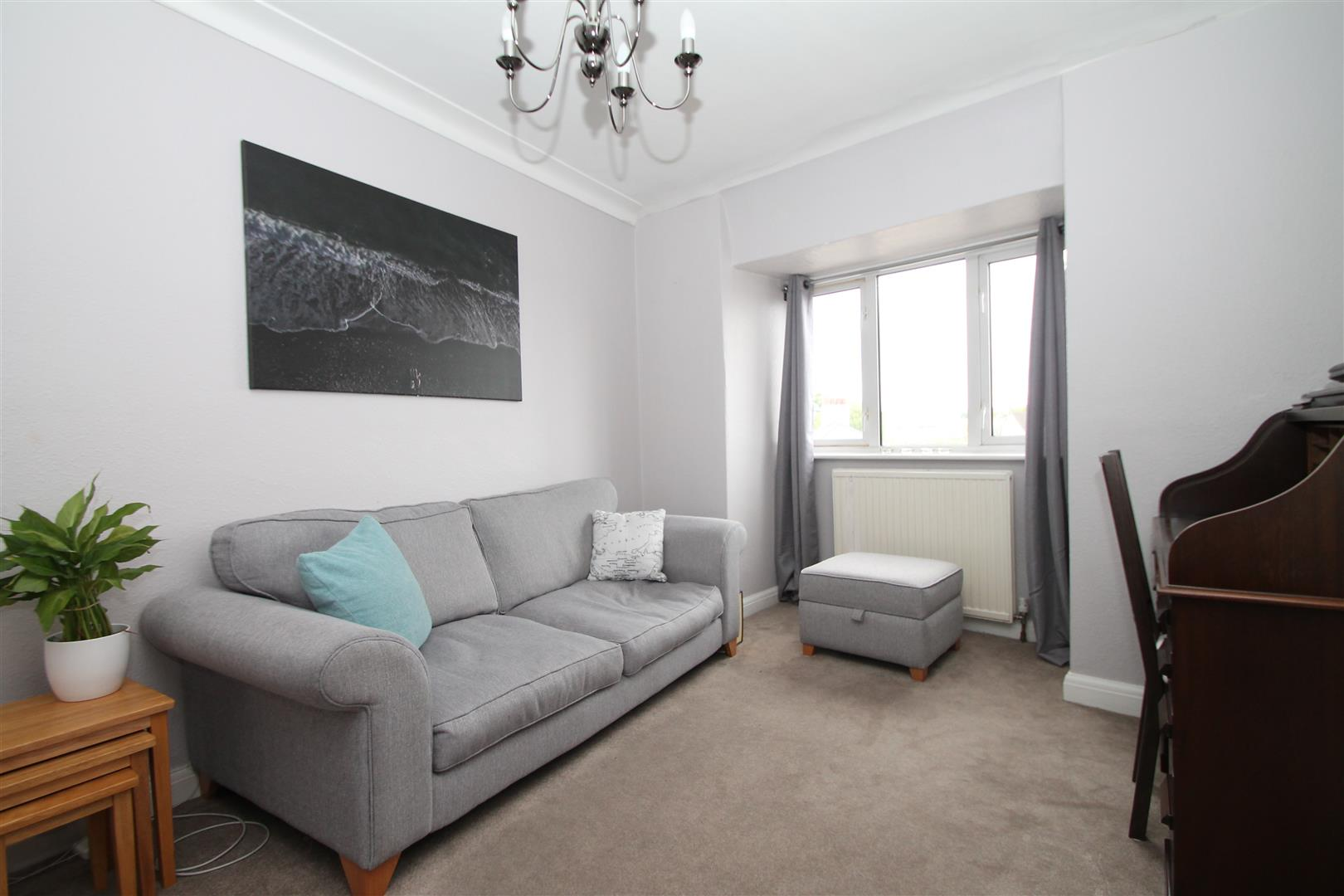 1 Bedroom Flat for sale in The Broadway, Mutton Lane, Potters Bar EN6
